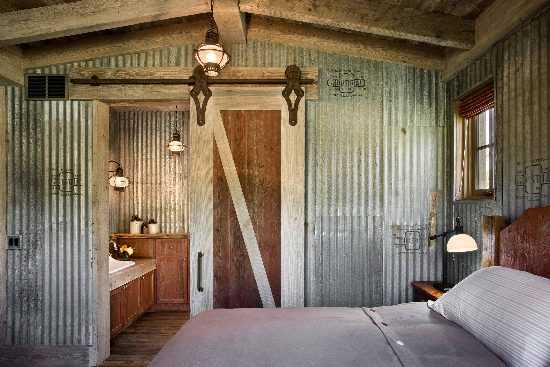 Locati-Architects-Springhill-Farm-Int-Suite-3